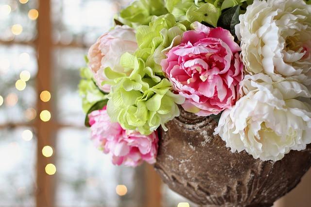 Polskie kwiaciarnie. O kwiatach słów kilka – kwiaty z dostawą Poznań