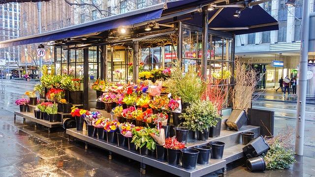 Szybka dostawa kwiatów. Kwiatowa niespodzianka –  przesyłki kwiatowe. Kwiaciarnia Olsztyn